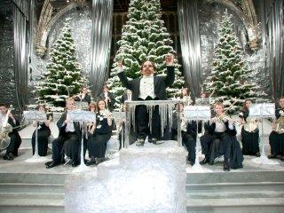 WB_F4_Yule_Ball_Professor_Flitwick_Christmas_HP4D-14922.jpg